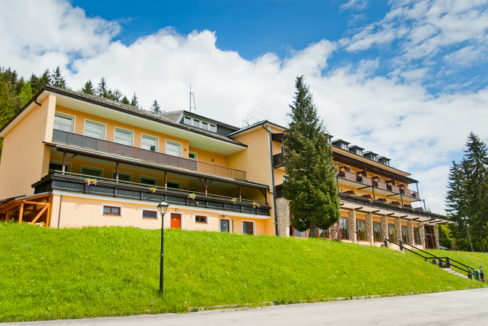 motorradhotel_info_alpenhof_semmering_01