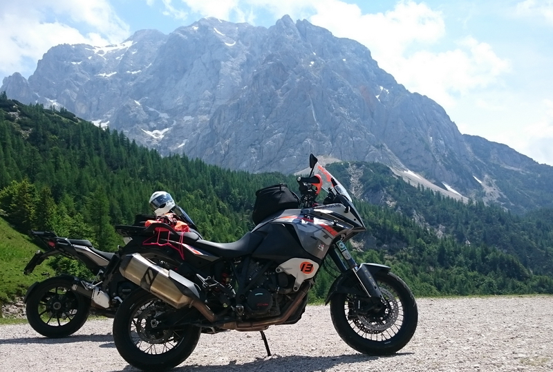 ana und toni motorradhotels info_24
