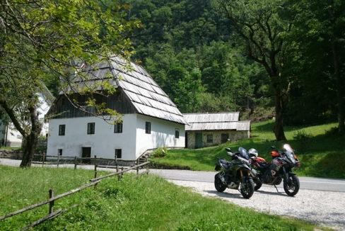 ana und toni motorradhotels info_26