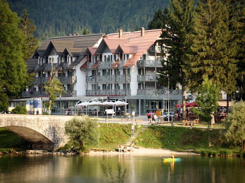hotel_jezero