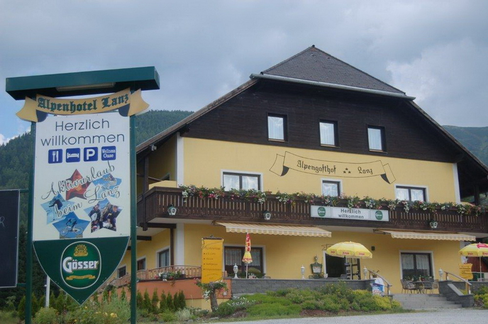 motoradhotels_info_alpenhotel_lanz_002