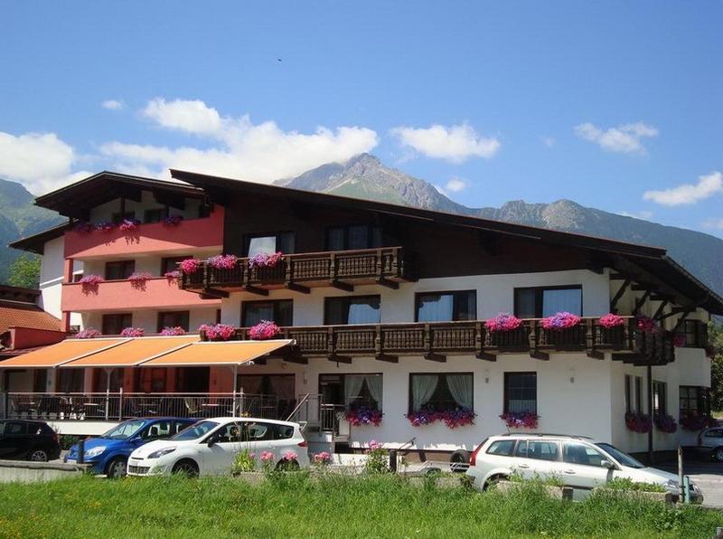 motorradhotel_info hotel auderer imst_02