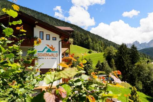 motorradhotels info hotel schoenwald_002