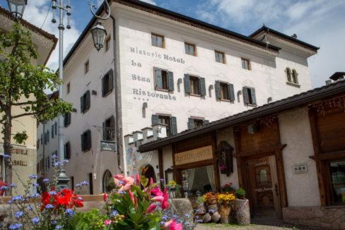 motorradhotels_historic_hotel_la_stua_01