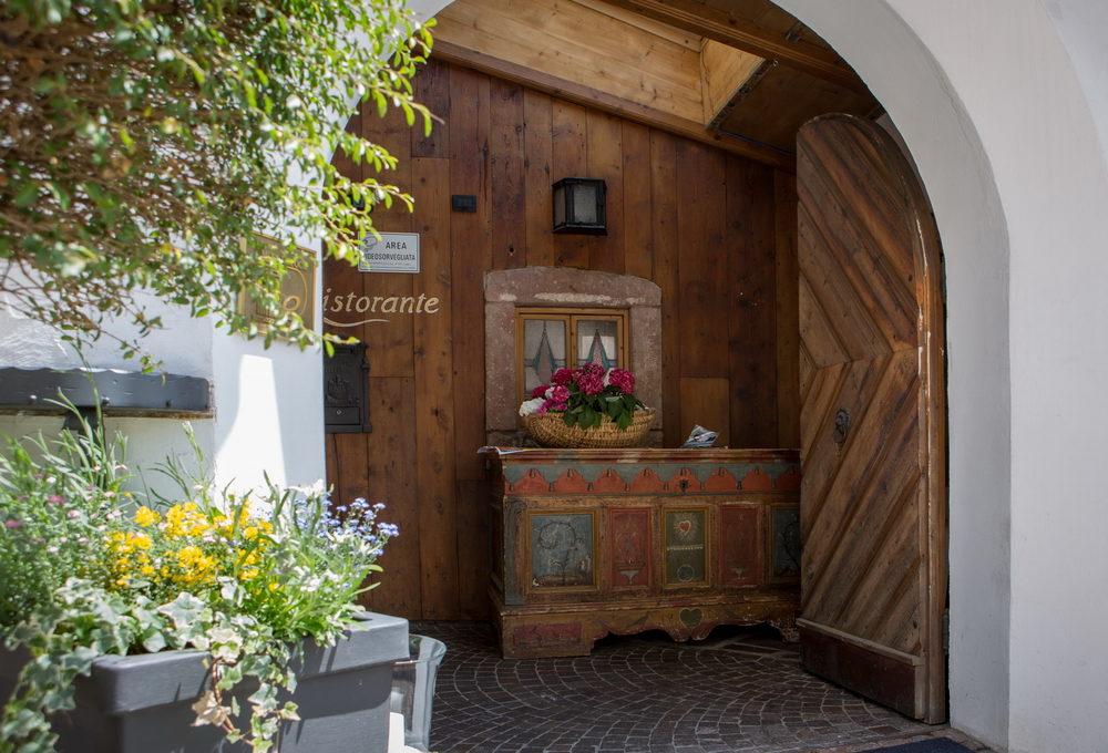 motorradhotels_historic_hotel_la_stua_03