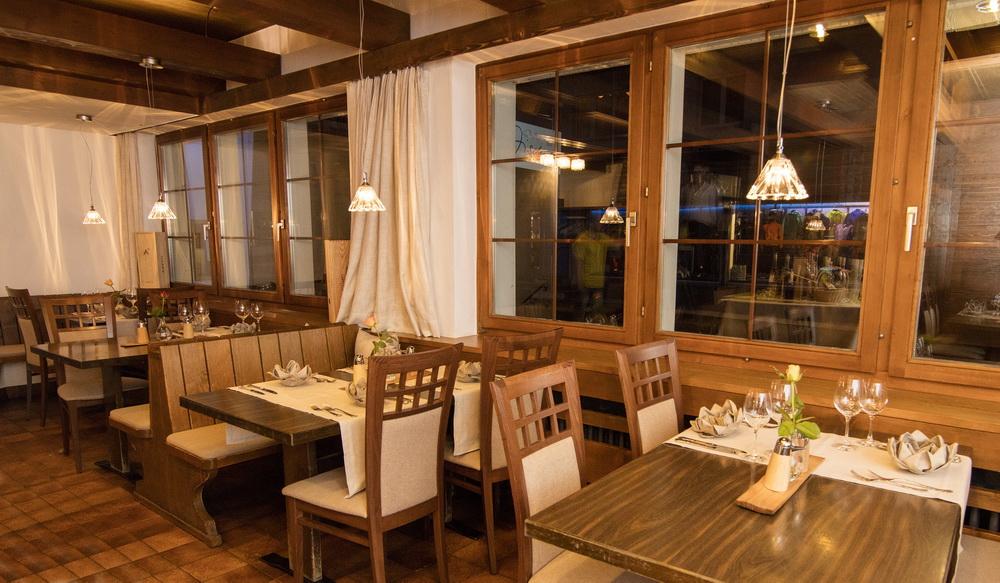 motorradhotels_info_hotel-dischma davos_05