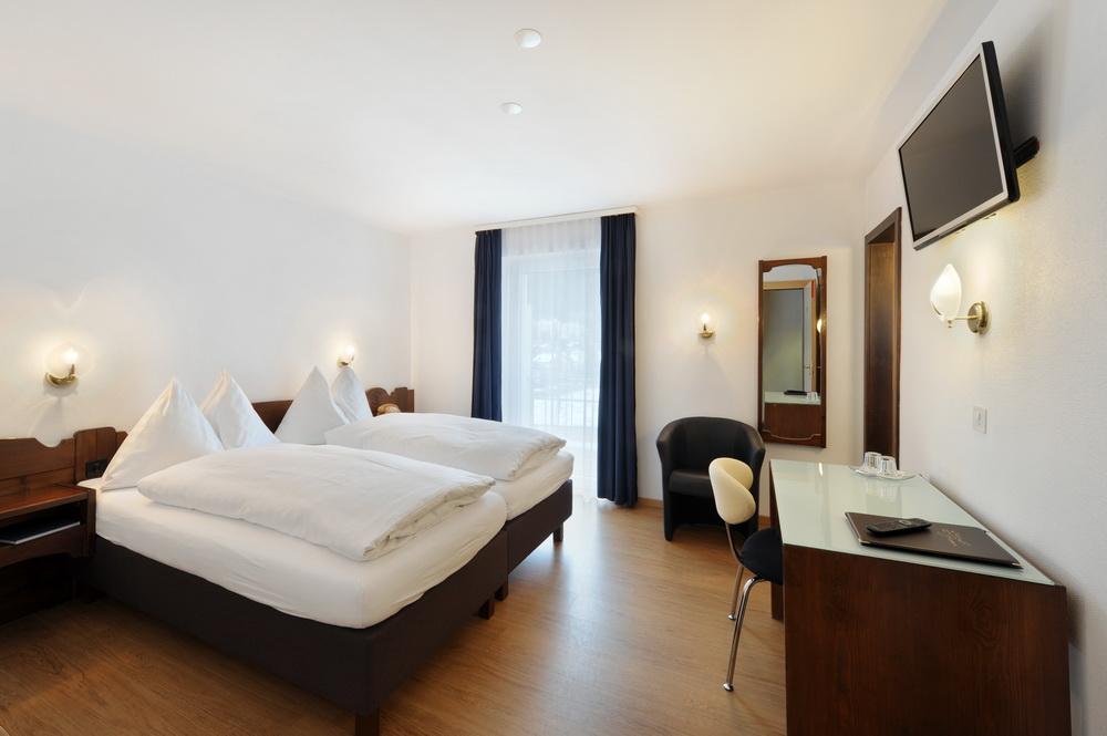 motorradhotels_info_hotel-dischma davos_11