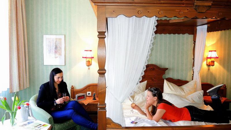 motorradhotels_info_waldhotel-ilsenstein_08